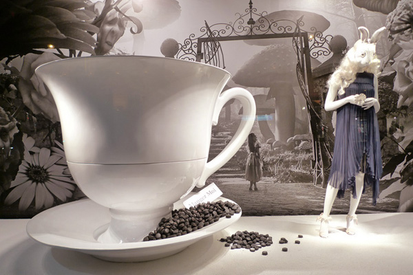 Alice In Wonderland at Printemps Chlo
