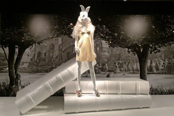 Alice In Wonderland at Printemps Christopher Kane Nicholas K